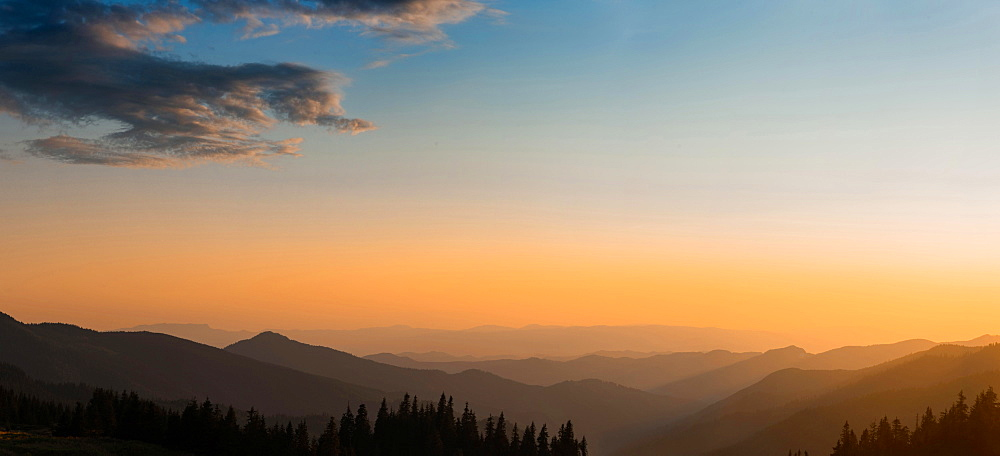 Panorama, sunset in the mountains, mountain silhouettes, Carpathian Mountains, Zakarpattia Oblast, Ukraine, Europe