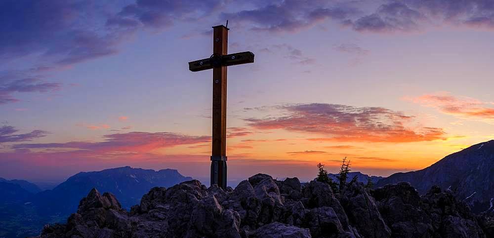 Summit cross in red sky, Jenner, 1874m, Untersberg at the back, Berchtesgaden National Park, Berchtesgaden Alps, Schoenau am Koenigssee, Berchtesgadener Land, Upper Bavaria, Bavaria, Germany, Europe