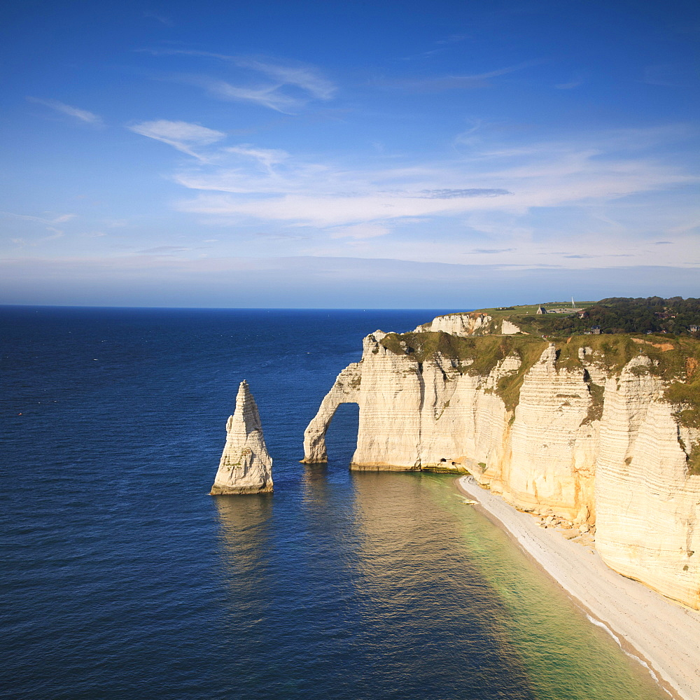 The Needle and the Aval Arch, Etretat, Normandy, France, Europe