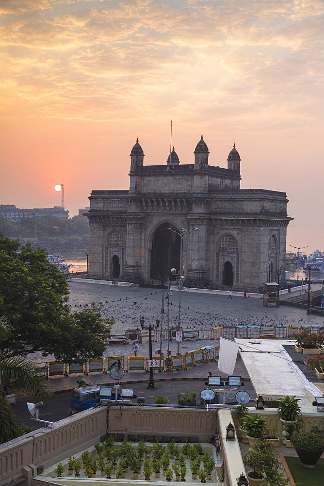 View of Gateway of India, Mumbai, Maharashtra, India, Asia - 1104-1017