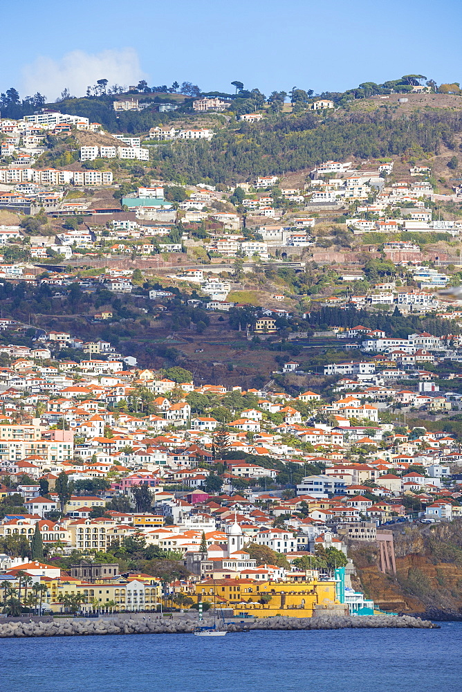 Portugal, Madeira, Funchal, View towards Sao Tiago Fort