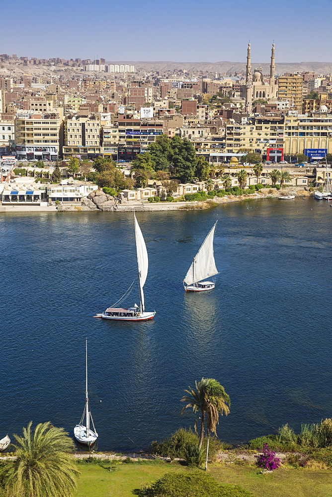 Egypt, Upper Egypt, Aswan, View of Aswan and River Nile - 1104-777