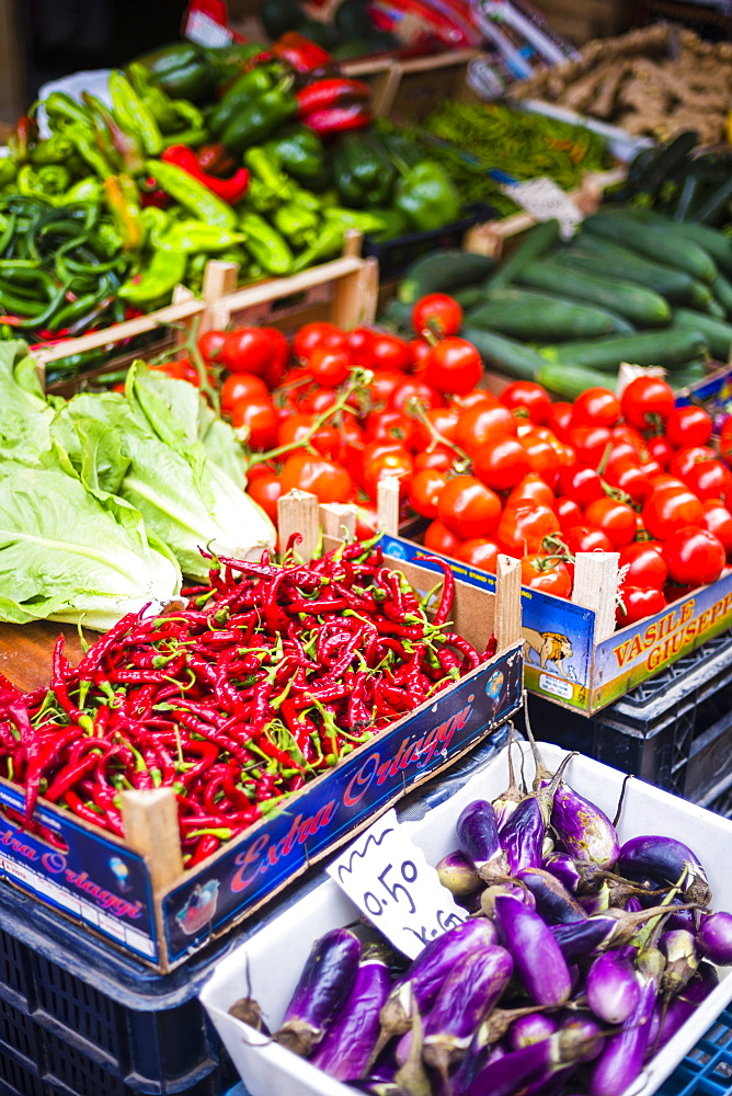 Chillies and tomatoes for sale at Capo Market, a fruit, vegetable and food market in Palermo, Sicily, Italy, Europe