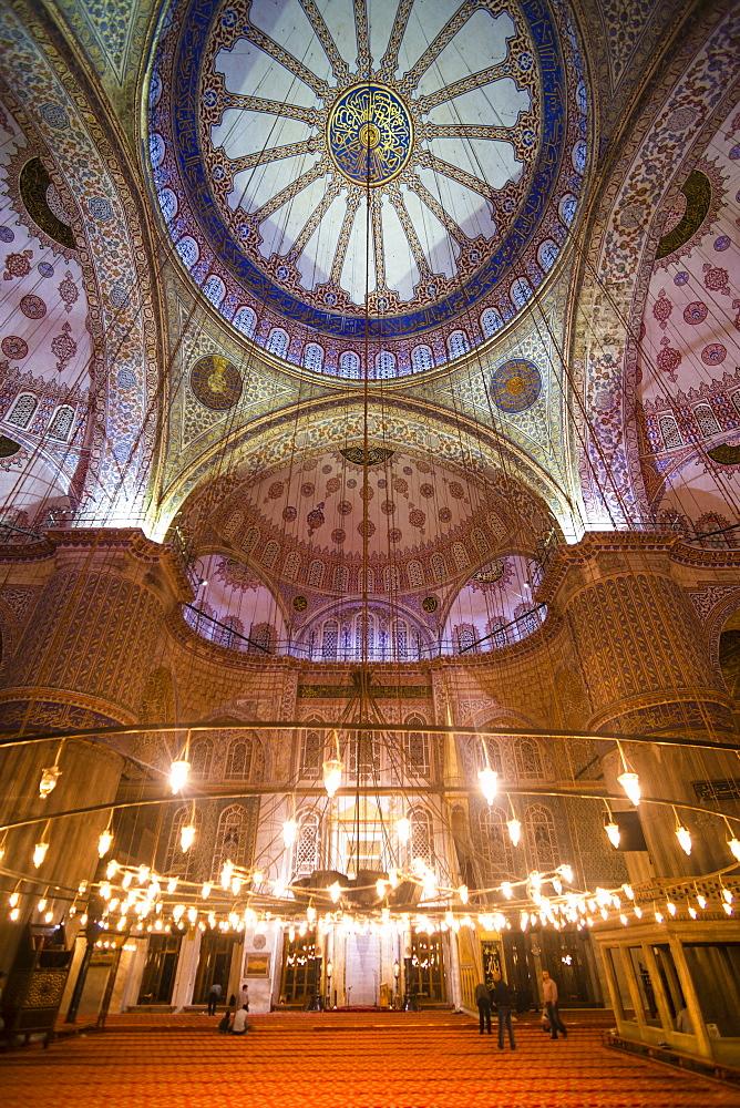 Blue Mosque interior (Sultan Ahmed Mosque) (Sultan Ahmet Camii), UNESCO World Heritage Site, Istanbul, Turkey, Europe