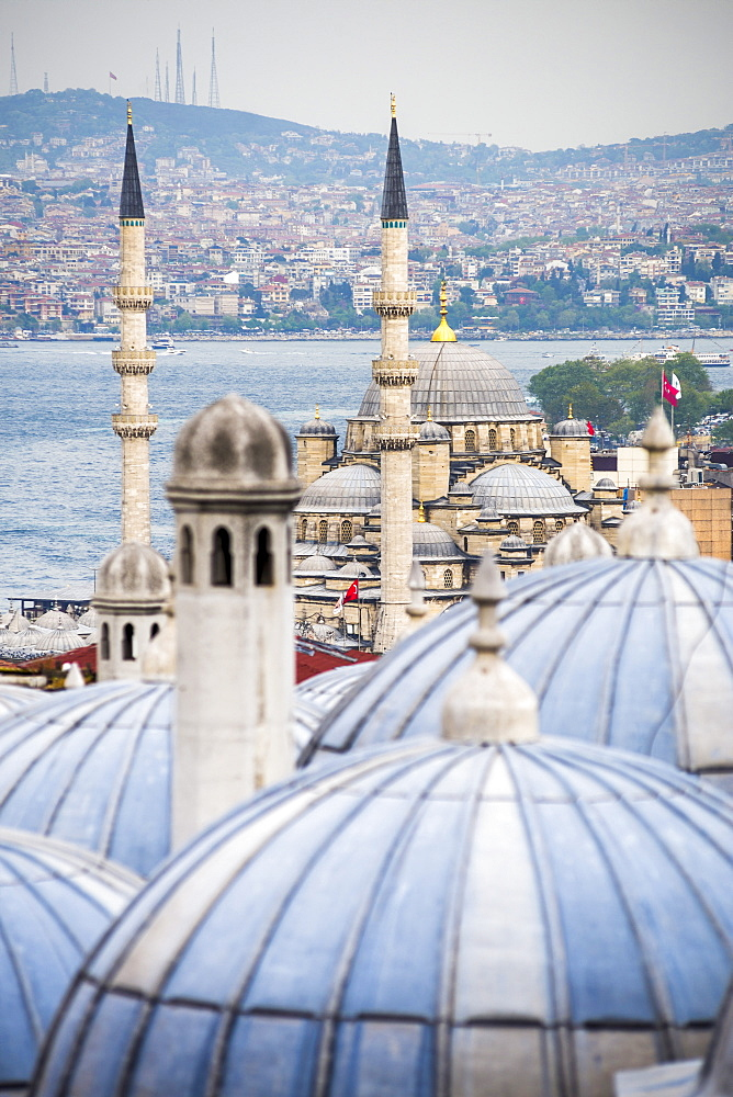 New Mosque (Yeni Cami) seen from Suleymaniye Mosque, Istanbul, Turkey, Europe