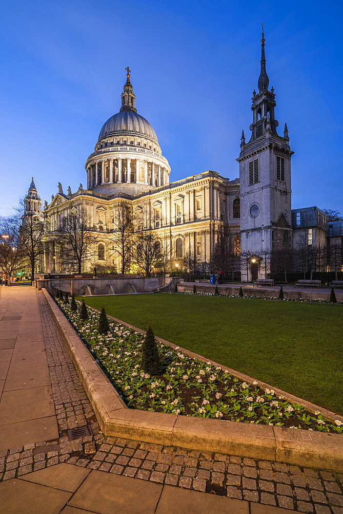 St Pauls Cathedral at night, City of London, London, England - 1109-3744