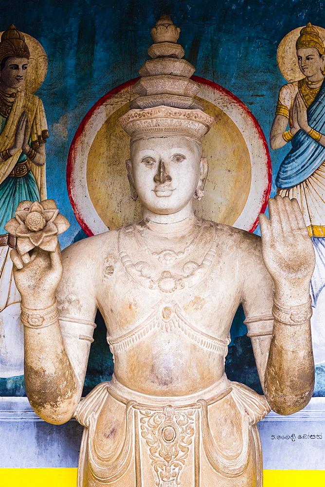 Statue at Ruvanvelisaya Dagoba, Mahavihara (The Great Monastery), Anuradhapura, UNESCO World Heritage Site, Cultural Triangle, Sri Lanka,Asia