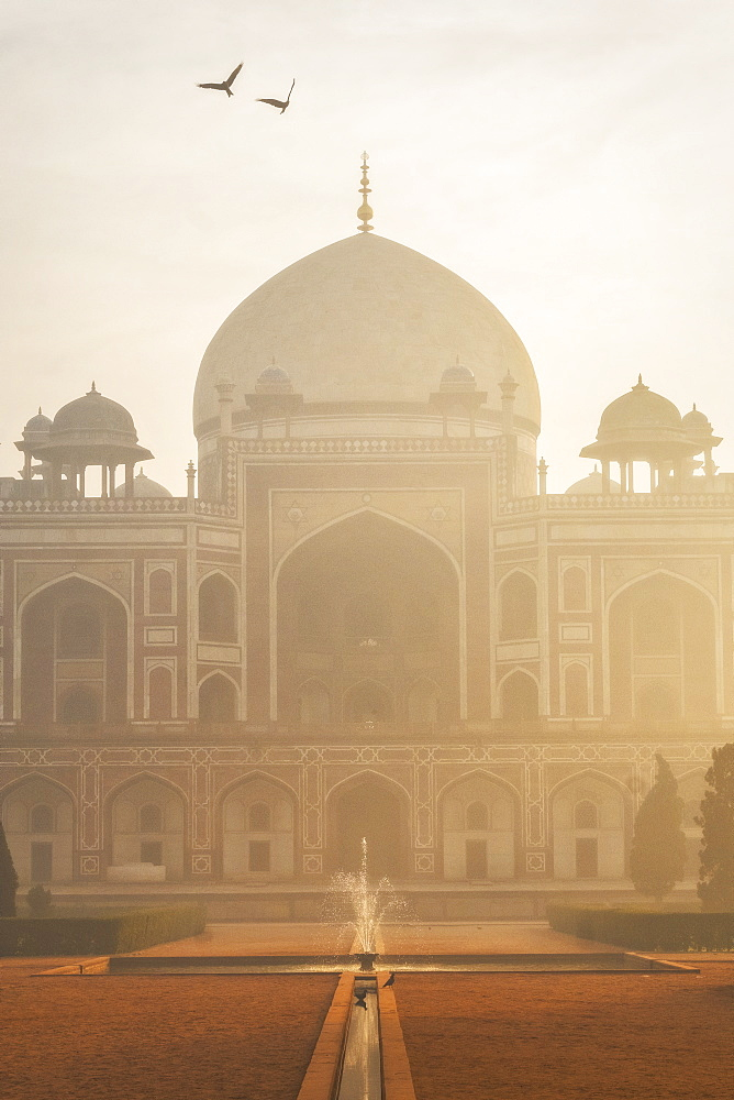 Humayun's Tomb at sunrise in Delhi, India, Asia - 1111-52