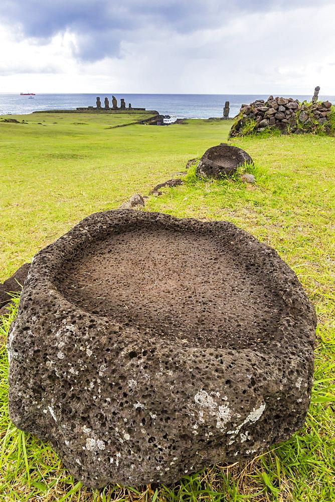 House foundation and seven moai in the Tahai Archaeological Zone on Easter Island (Isla de Pascua) (Rapa Nui), UNESCO World Heritage Site, Chile, South America