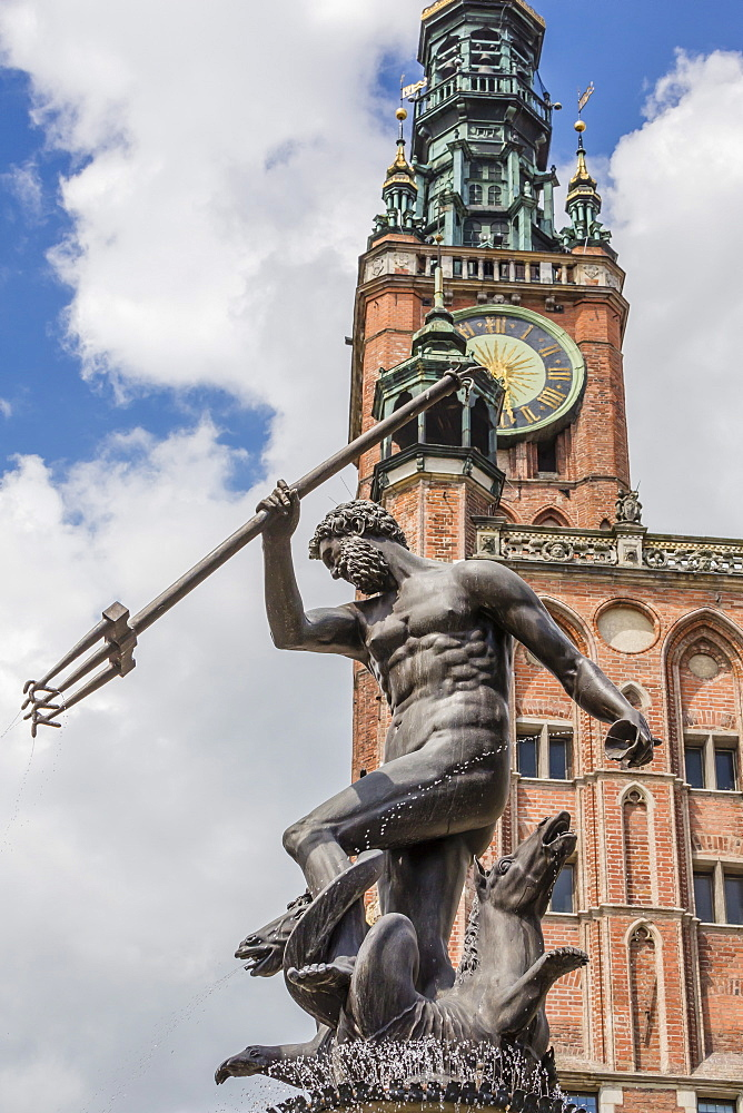 King Neptune Statue in The Long Market, Dlugi Targ, with town hall clock, Gdansk, Poland, Europe