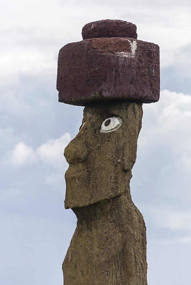 Preserved original moai in the Tahai Archaeological Zone, Rapa Nui National Park, UNESCO World Heritage Site, Easter Island (Isla de Pascua), Chile, South America