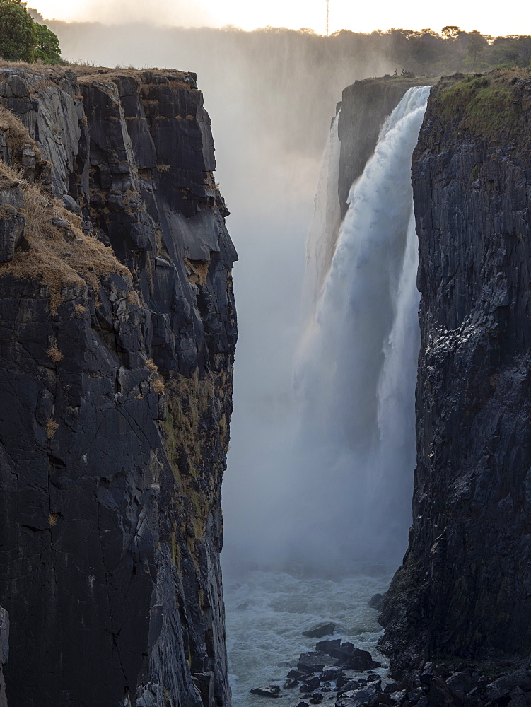 View of Victoria Falls on the Zambezi River, UNESCO World Heritage Site, straddling the border of Zambia and Zimbabwe, Africa