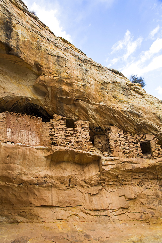 Target ruins, Ancestral Pueblo, up to 1,000 years old, Bears Ears National Monument, Utah, United States of America