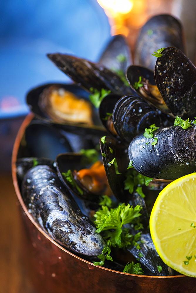 Bowl of mussels, Sjavarpakkhusid restaurant, Stykkisholmur, Iceland