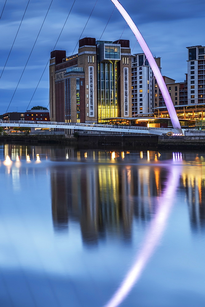 Gateshead Millennium Bridge and BALTIC Centre for Contemporary Art reflected in the River Tyne, Gateshead, Tyne and Wear, England