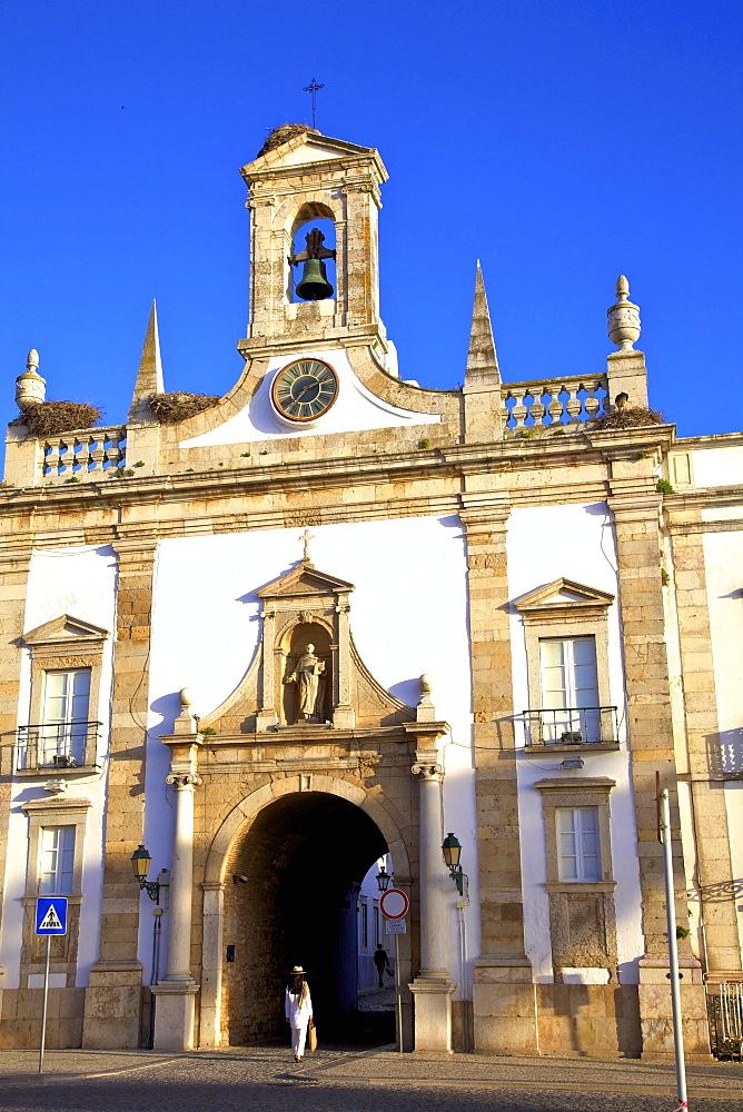 Arco da Vila, Faro, Eastern Algarve, Algarve, Portugal, Europe - 1126-1551