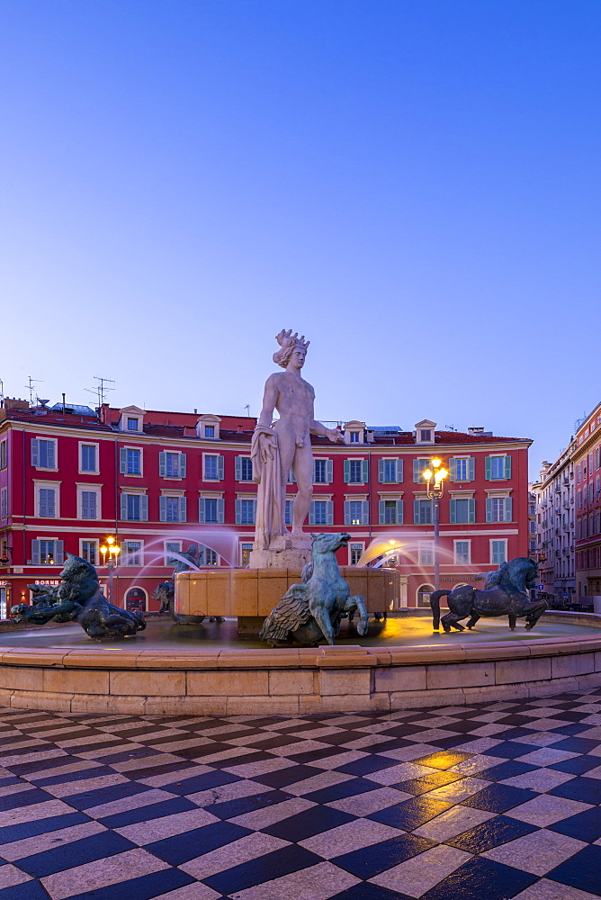 Statue of Apollo at Place Massena, Nice, Alpes-Maritimes, Cote d'Azur, French Riviera, Provence, France, Mediterranean, Europe