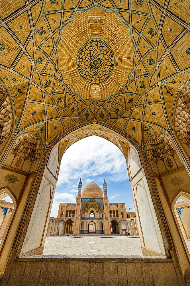 Agha Bozorg Mosque, Inner Courtyard, Kashan, Isfahan Province, Islamic Republic of Iran, Middle East - 1131-1285