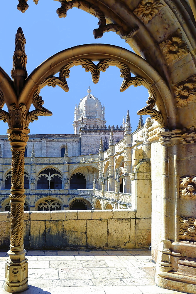 Manueline ornamentation in the cloister, Monastery of the Hieronymites (Mosteiro dos Jeronimos), UNESCO World Heritage Site, Belem, Lisbon, Portugal, Europe - 1131-1576