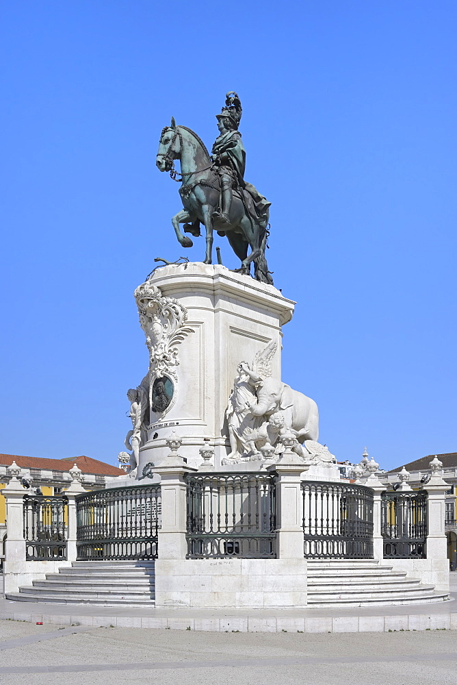 King Jose I equestrian statue, Praca do Comercio, Baixa, Lisbon, Portugal, Europe - 1131-1601