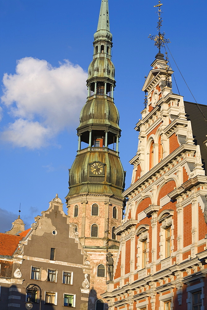 St. Peter's Church and the Brotherhood of Blackheads House, Old Town, UNESCO World Heritage Site, Riga, Latvia, Europe