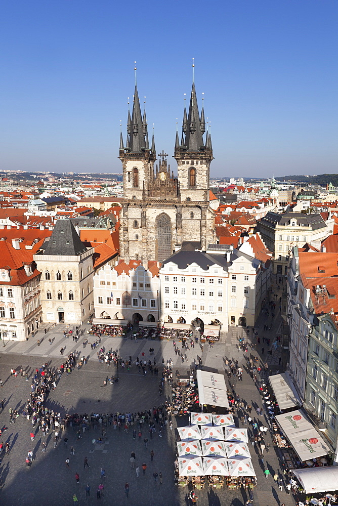 View over the Old Town Square (Staromestske namesti) with Tyn Cathedral and street cafes, Prague, Bohemia, Czech Republic, Europe