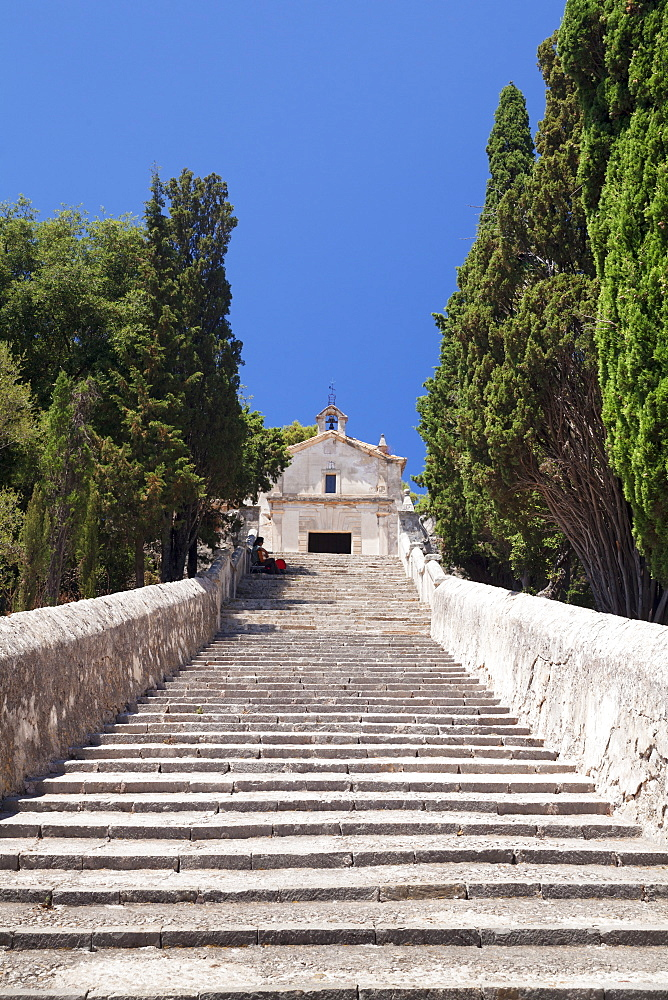 Stairway to calvary with chapel, Pollenca, Majorca (Mallorca), Balearic Islands (Islas Baleares), Spain, Mediterranean, Europe