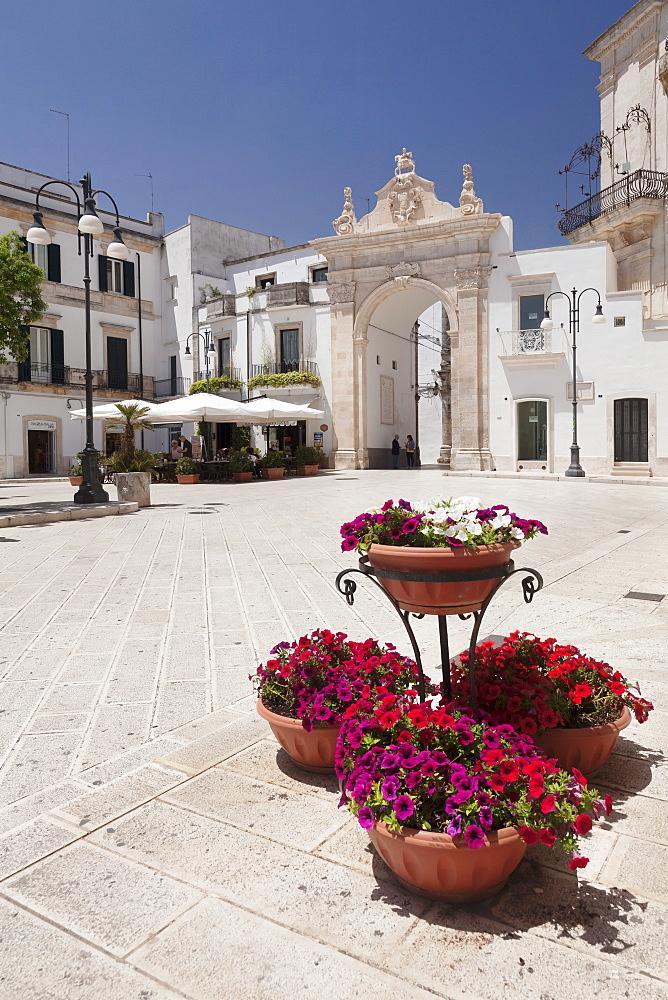 Arco di Sant'Antonio, Porta di Santa Stefano, Martina Franca, Valle d'Itria, Taranto district, Puglia, Italy, Europe