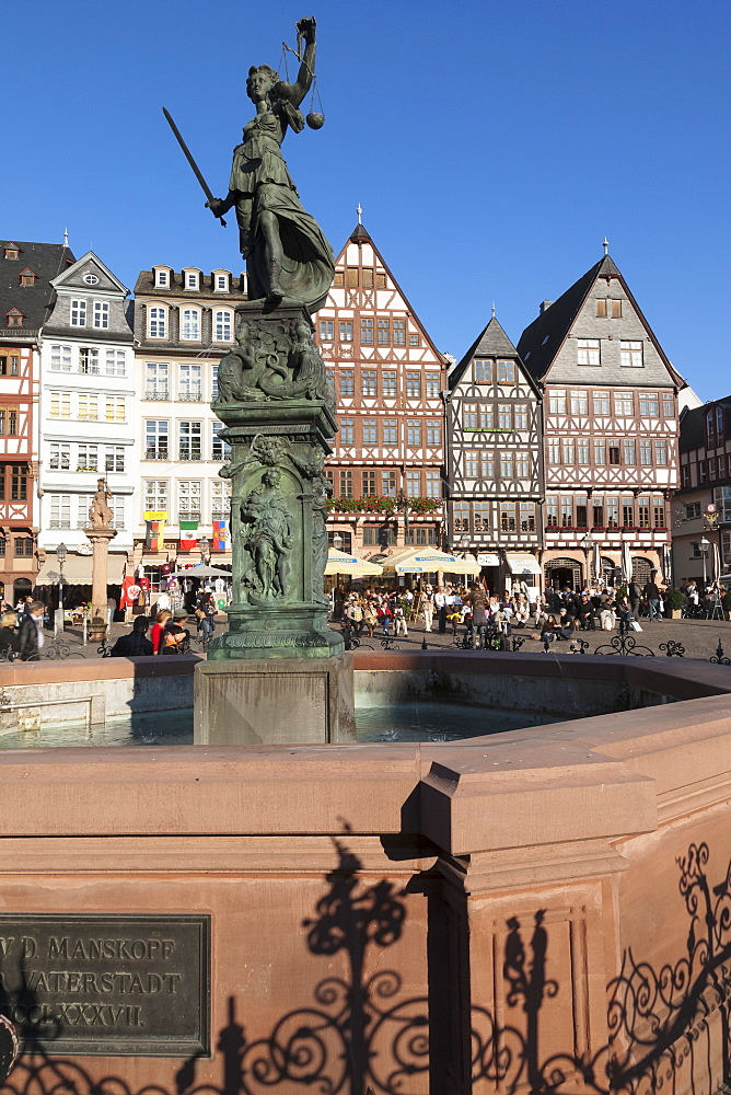 Justitia Fountain at Roemerberg square, Frankfurt, Hesse, Germany, Europe