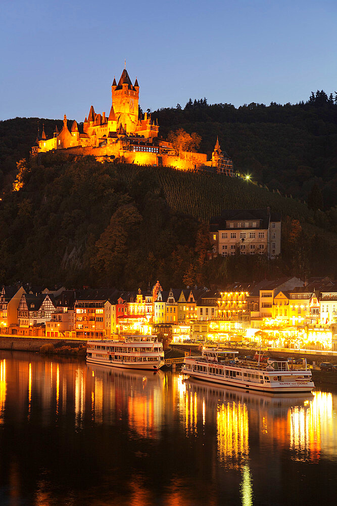 View over Moselle River to Reichsburg Castle, Cochem, Rhineland-Palatinate, Germany, Europe - 1160-3813