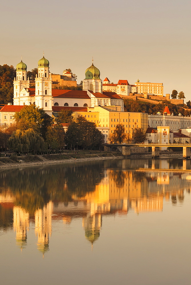 View over Inn River to St.Stephan Cathedral and Veste Oberhaus fortress, Passau, Lower Bavaria, Germany