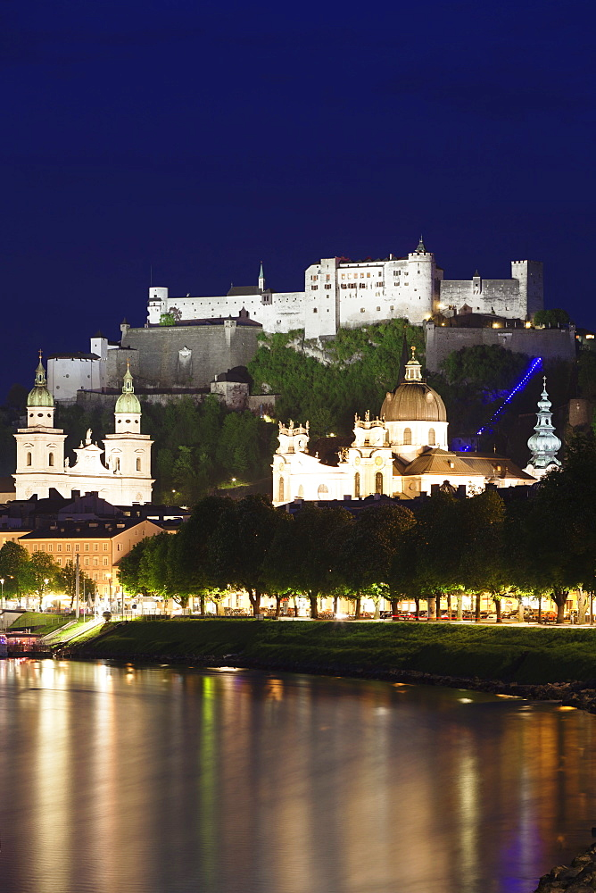 Old Town, UNESCO World Heritage Site, with Hohensalzburg Fortress and Dom Cathedral and the River Salzach at dusk, Salzburg, Salzburger Land, Austria, Europe