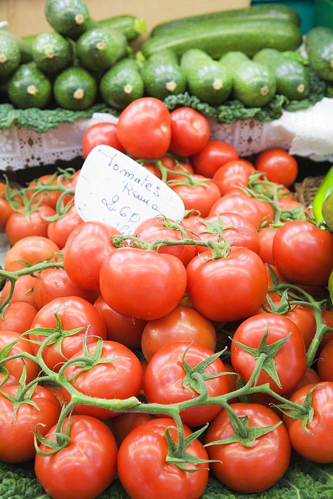 Vegetables for sale, Mercado Centra (Central Market), Valencia, Comunidad Valencia, Spain, Europe