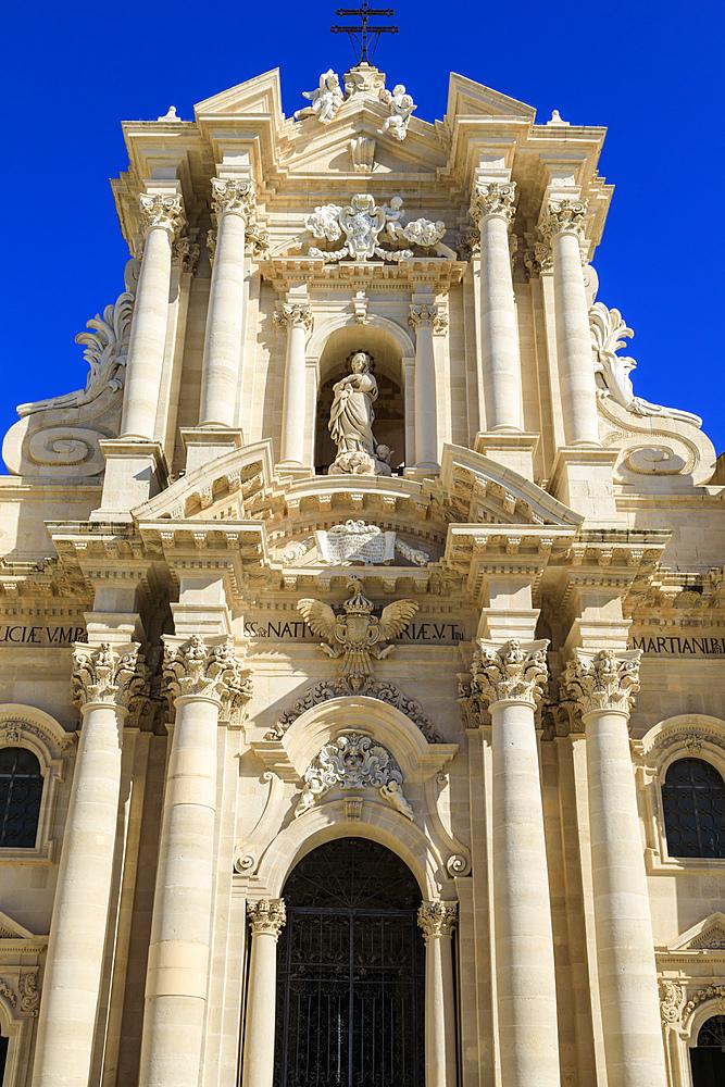 Cathedral, baroque facade, Piazza Duomo, Ortigia (Ortygia), Syracuse (Siracusa), UNESCO World Heritage Site, Sicily, Italy
