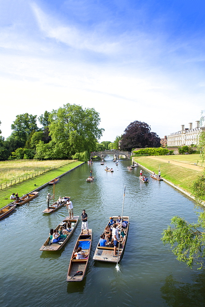 Punts on the River Cam, Cambridge, Cambridgeshire, England, United Kingdom, Europe
