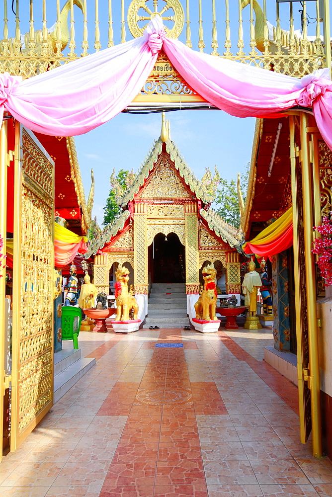 Temple bot at Doi Kham (Wat Phra That Doi Kham) (Temple of the Golden Mountain), Chiang Mai, Thailand, Southeast Asia, Asia