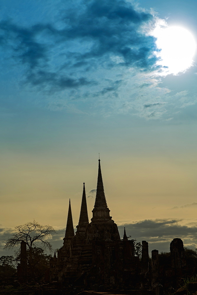 Silhouetted chedis (stupas), Ayutthaya, UNESCO World Heritage Site, Thailand, Southeast Asia, Asia