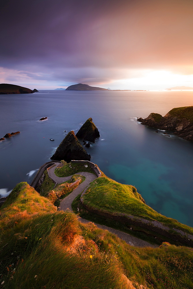 Sunset on Dunquin pier (Dun Chaoin), Dingle Peninsula, County Kerry, Munster province, Republic of Ireland, Europe