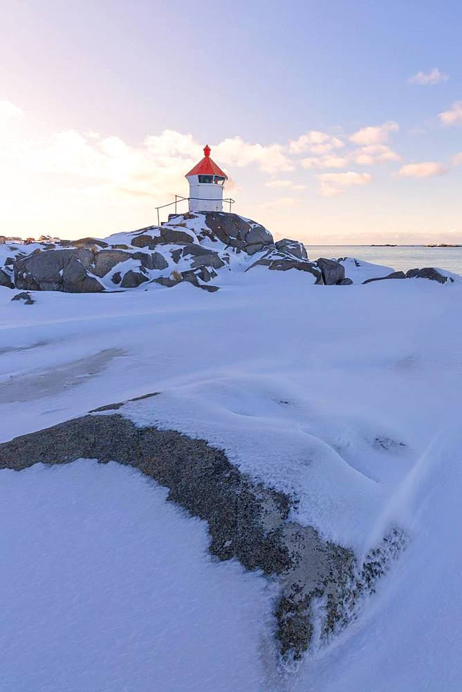 Lighthouse, Eggum, Vestvagoy, Lofoten Islands, Nordland, Norway, Europe