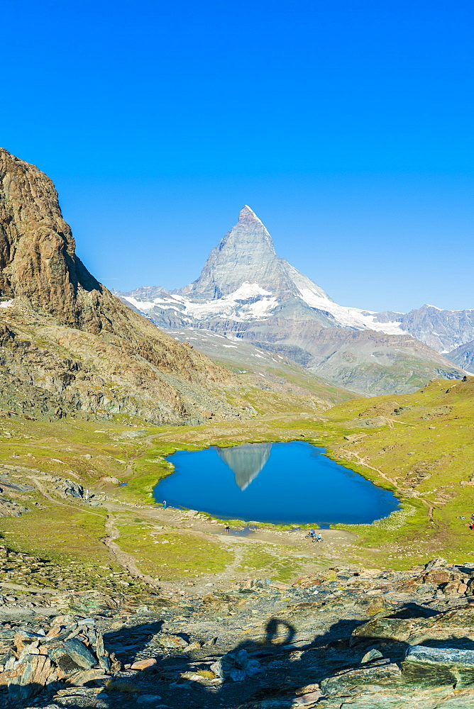 Lake Riffelsee with the Matterhorn in the background, Zermatt, canton of Valais, Swiss Alps, Switzerland, Europe