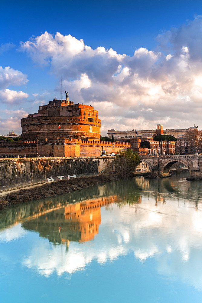 Panoramic of Castel Sant'Angelo and river Tiber at sunrise, Rome, Lazio, Italy