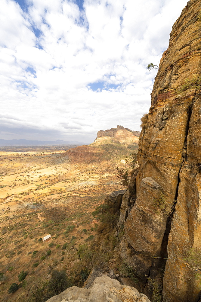 Access trail to Abuna Yemata Guh church through tall rocks of Gheralta Mountains, Tigray Region, Ethiopia, Africa
