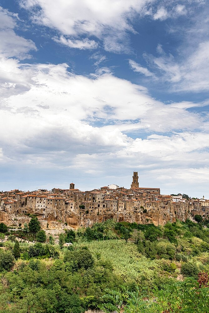 Pitigliano, Etruscan hilltop town perched on tufa rocks, province of Grosseto, Tuscany, Italy, Europe - 1179-4970