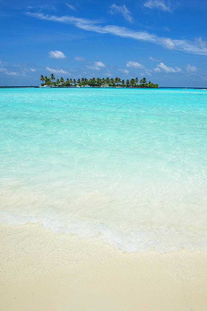 Little island in the turquoise water, Sun Island Resort, Nalaguraidhoo island, Ari atoll, Maldives - 1184-1389