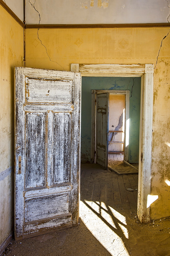 Interior of a colonial house, old diamond ghost town, Kolmanskop (Coleman's Hill), near Luderitz, Namibia, Africa