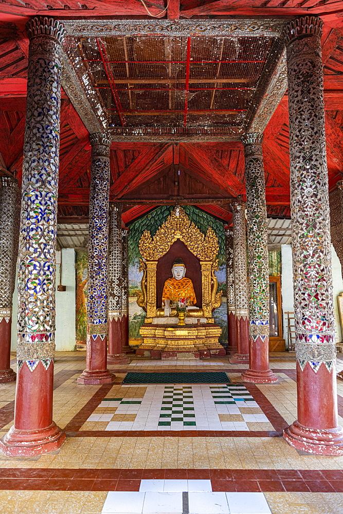 Shwezigon Pagoda, Nyaung-U, near Bagan (Pagan), Myanmar (Burma), Asia