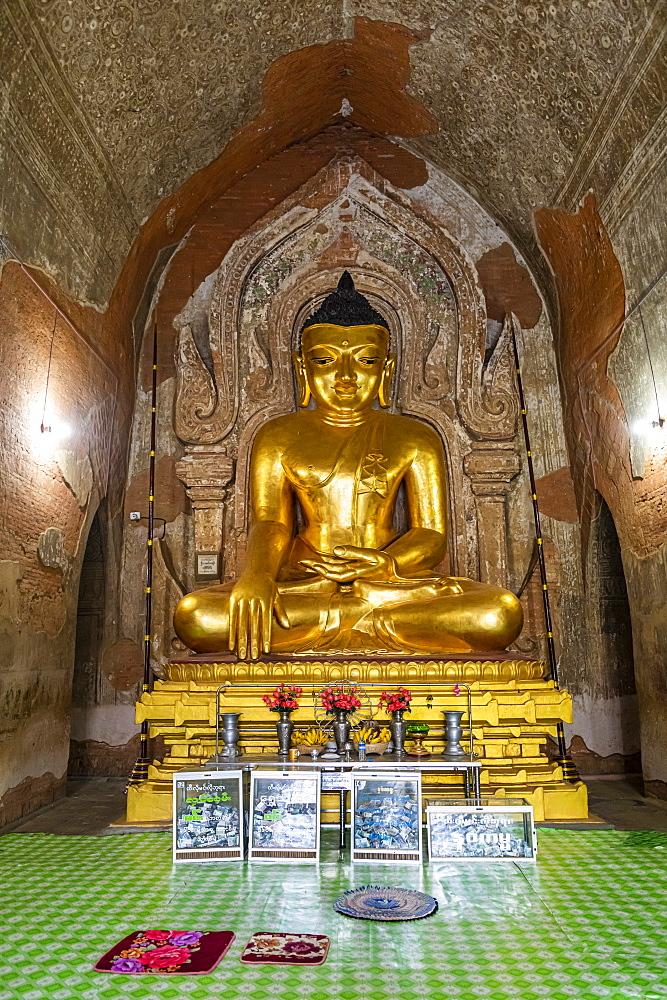 Sitting Buddha, Dhammayan Gyi Temple, Bagan (Pagan), Myanmar (Burma), Asia