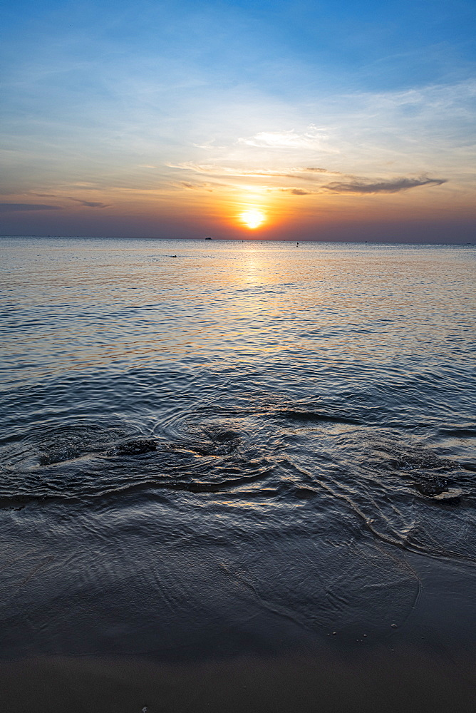 Sunset over the ocean, Ong Lang beach, island of Phu Quoc, Vietnam, Indochina, Southeast Asia, Asia