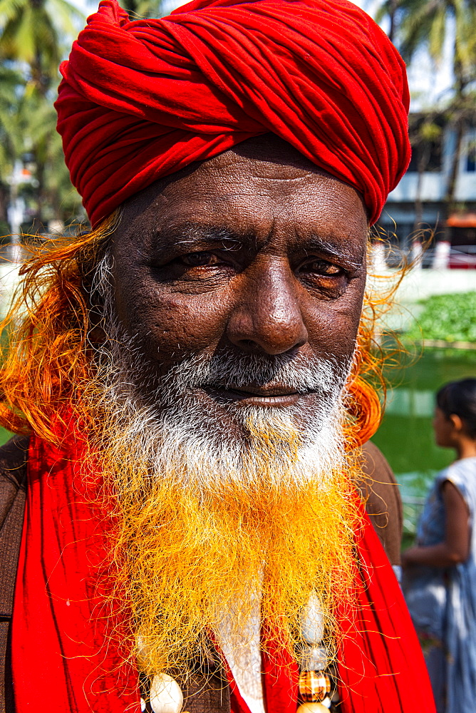 Close up of a Sufi holy man, Hazrat Shah Jalal Mosque and tomb, Sylhet, Bangladesh, Asia