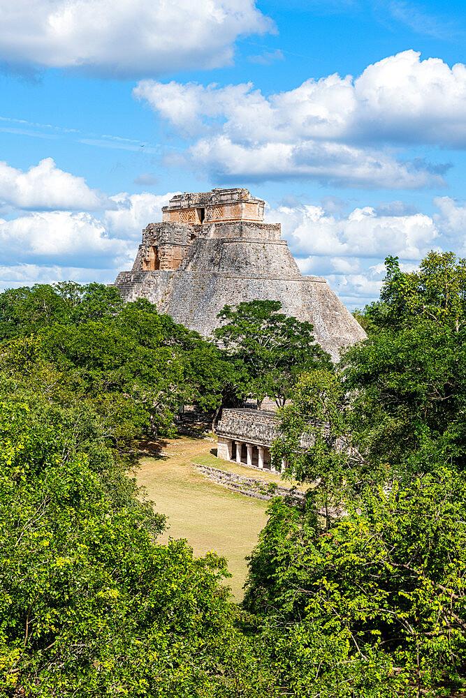 The Maya ruins of Uxmal, UNESCO World Heritage Site, Yucatan, Mexico, North America - 1184-5559